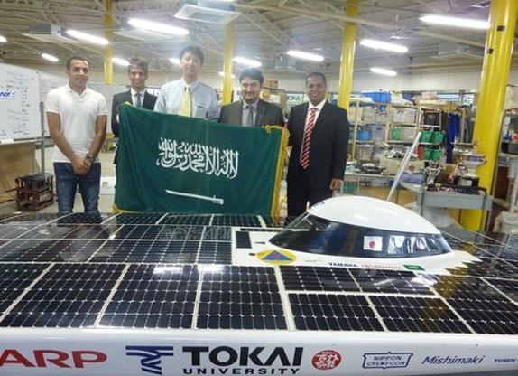 ثلاثة من المبتعثين يساهمون في فوز  جامعة يابانية بالسباق العالمي للسيارات الشمسية